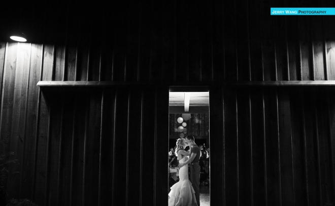 L&DJ | Leavenworth Kansas Wedding | Schwinn Farm Barn